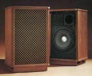 Mua loa nghe nhạc cũ có tốt không, giá có rẻ không?