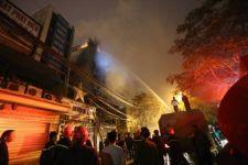 Thiệt hại vô cùng lớn sau vụ cháy ở quán karaoke trên đường Nguyễn Khang