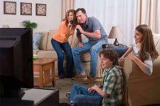 Chọn dàn karaoke gia đình – cách tốt nhất để chiều lòng người lớn tuổi